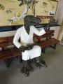 えちぜん鉄道福井駅 構内ベンチの恐竜像