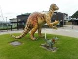 えちぜん鉄道勝山駅 フクイサウルス像 反対側