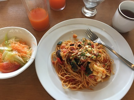 8032017 Lunch at CocosS3