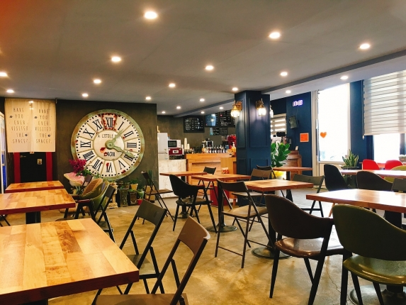 cafe-2081857_1280.jpg