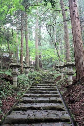 志都の岩屋神社の参道