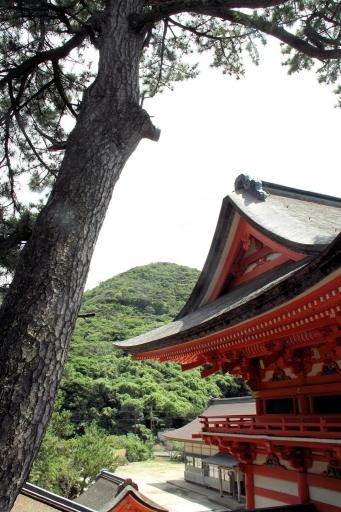 日御碕神社神の宮から見た天一山