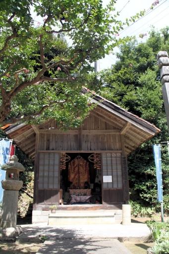 神宮寺の薬師堂