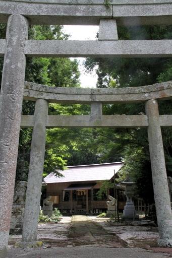 久良彌神社参道