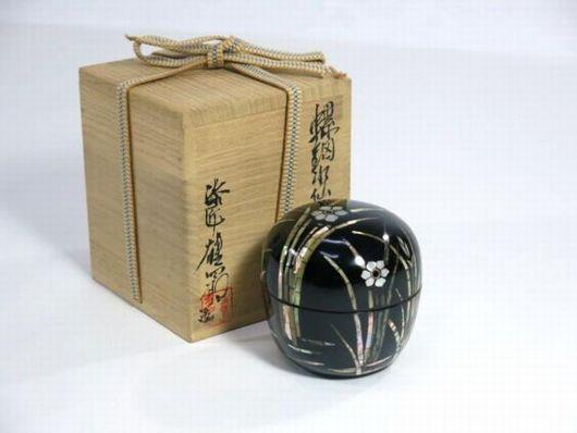 小島雄四郎作 螺鈿水仙文 茶器