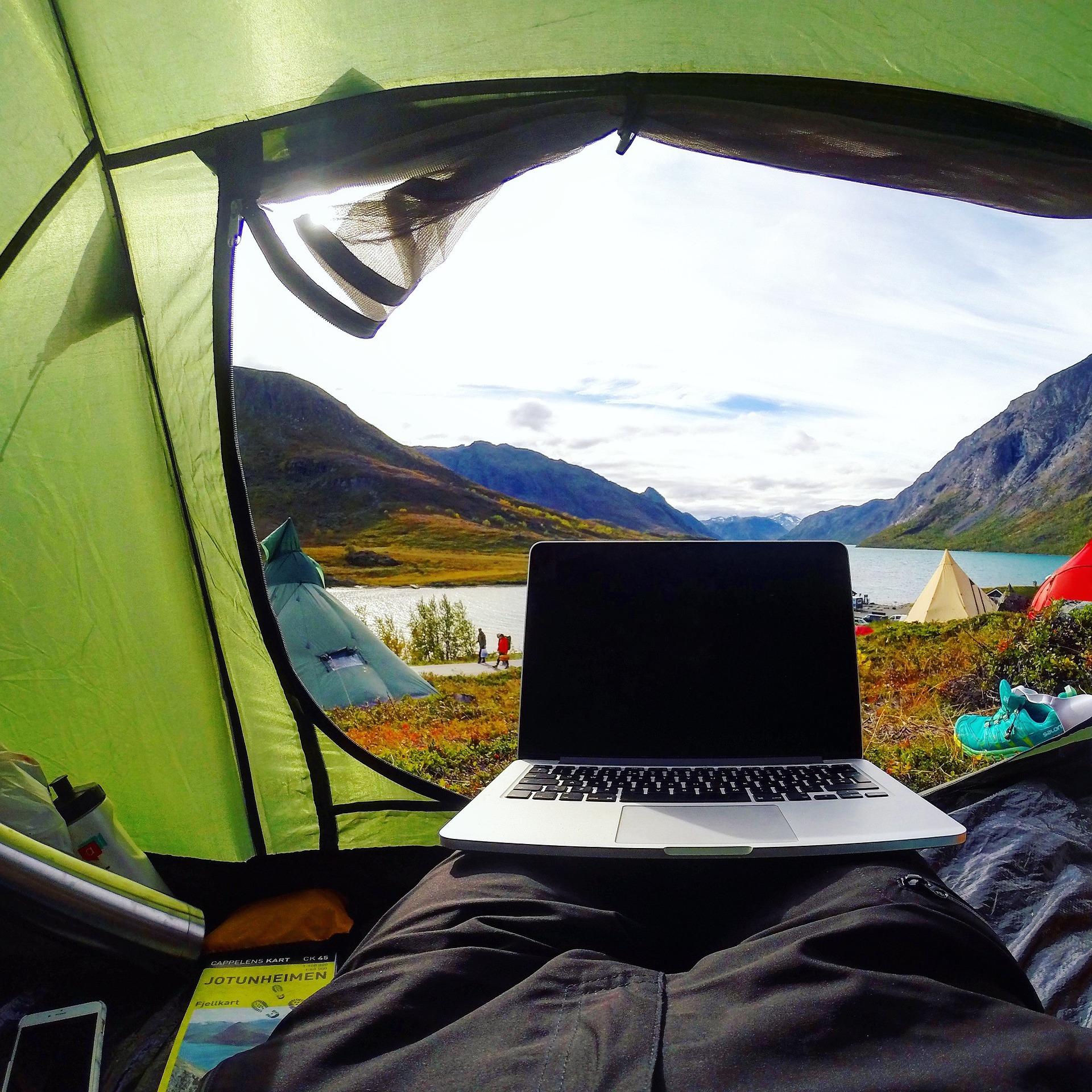 camping-2605250_1920.jpg