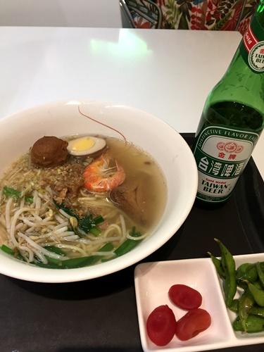 桃園空港 担仔麺