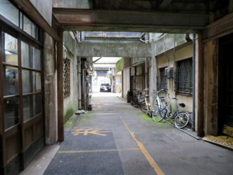 岐阜繊維問屋街25