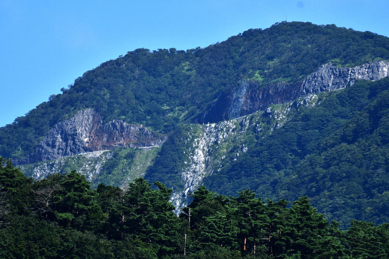 山麓から見る観察地