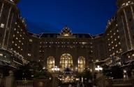 夜の東京ディズニーランドホテル