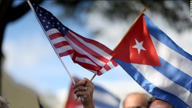 us-cuban-flags.jpg