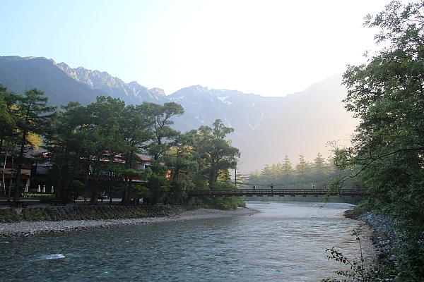 17早朝の河童橋1