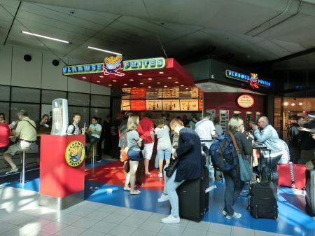 Vlaamse Frites Amsterdam Airport Schiphol 1