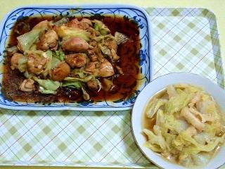 170912_4859 鶏ももとキャベツの黒照り炒め・白菜と薄揚げの煮物VGA