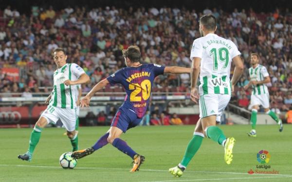 17-18_J01_Barcelona-Betis01s.jpg