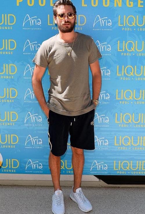 スコット・ディシック(Scott Disick):ジョン・エリオット(JOHN ELLIOTT + CO)キス(KITH)× バーグドルフ・グッドマン(Bergdorf Goodman)キス(KITH)× アディダス(adidas)