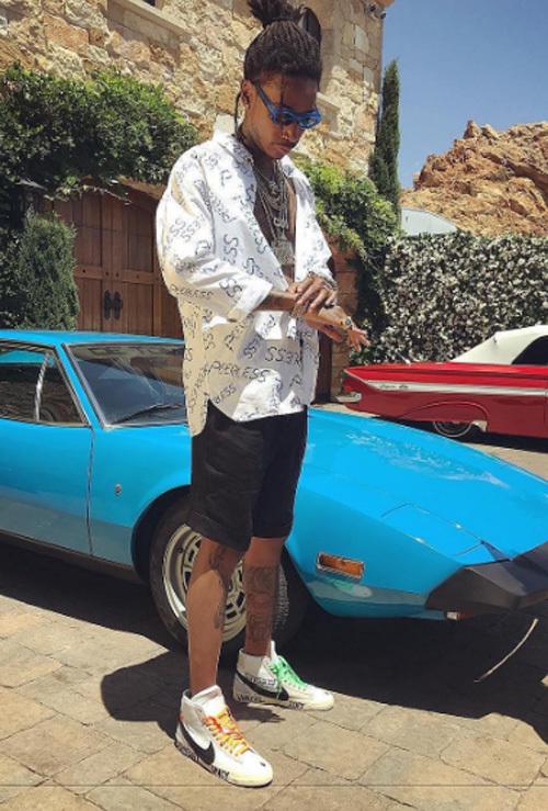 ウィズ・カリファ(Wiz Khalifa):ヴィズヴィム(visvim)/オフ-ホワイト C/O ヴァージル アブロー(OFF-WHITE C/O VIRGIL ABLOH)×ナイキ(NIKE)