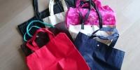 不織布のバッグ
