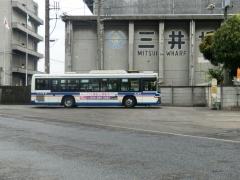 折返所で待機中臨港バス