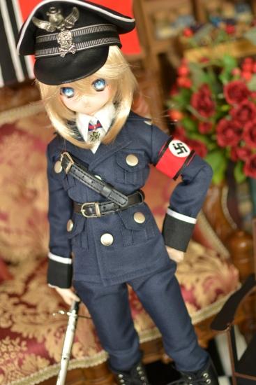 デグレチャフ少佐-親衛隊黒服ver-1