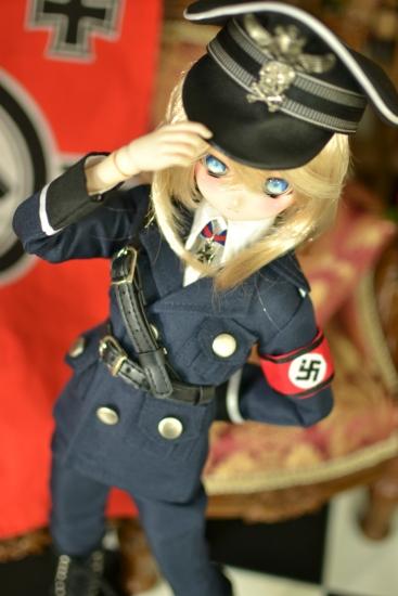 デグレチャフ少佐-親衛隊黒服ver-2