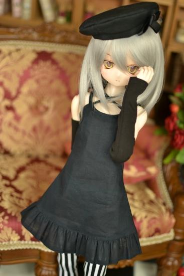 銀髪黒ワンピ-1