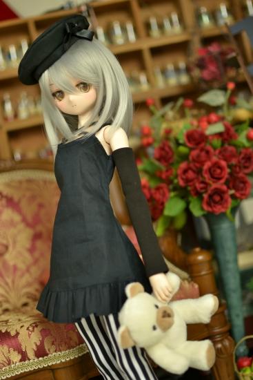 銀髪黒ワンピ-2