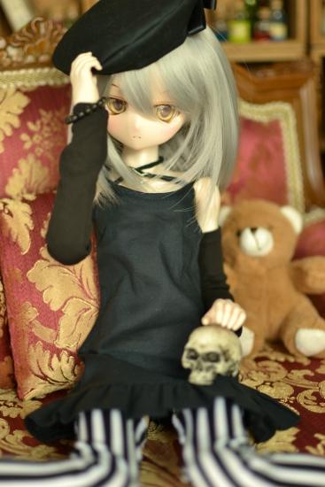 銀髪黒ワンピ-4