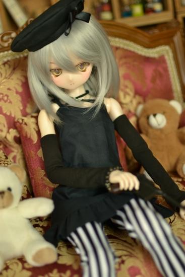 銀髪黒ワンピ-3