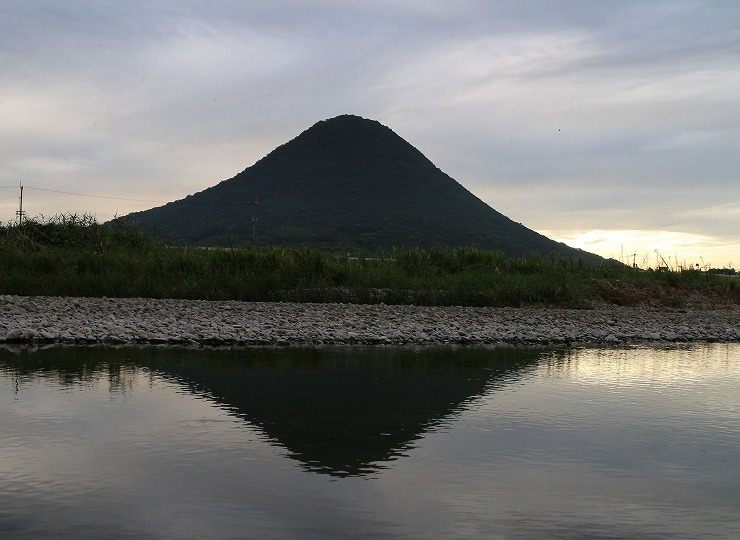 讃岐富士土器川に映る 29.8.22