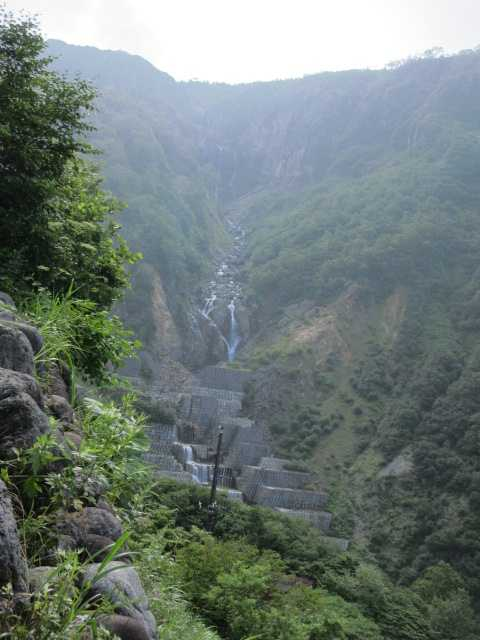 IMG1333JPG砂防提と不動滝
