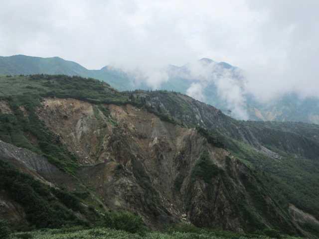 IMG1346JPG崩壊した山肌甚之助谷工事