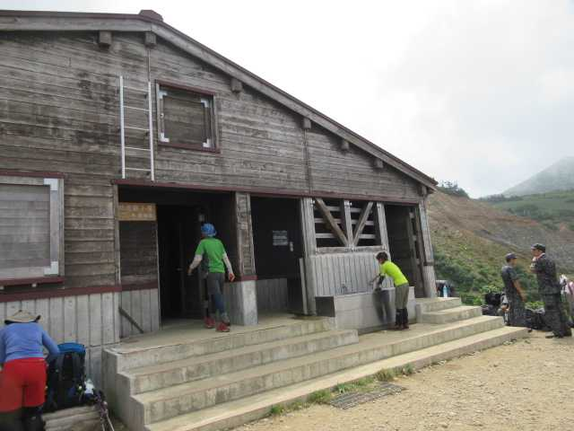 IMG1341JPG甚之助小屋に到着