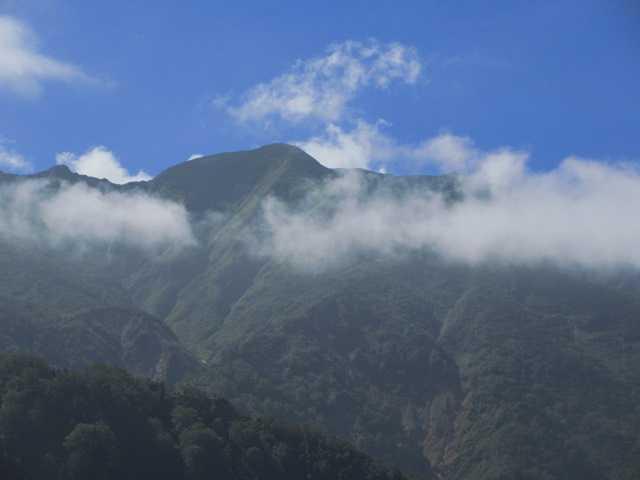 IMG1483JPG別山に雲がかかりだした