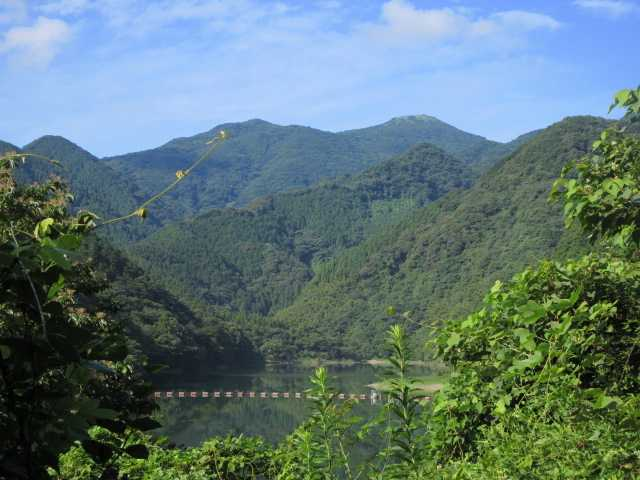 IMG1637JPG湖面と福智山