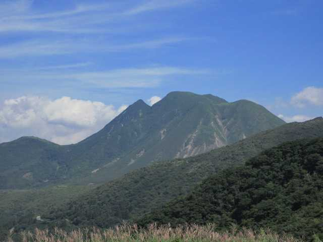 IMG1812JPG三俣山を見ながら