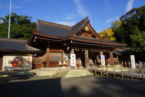 4拝殿 (1200x800)