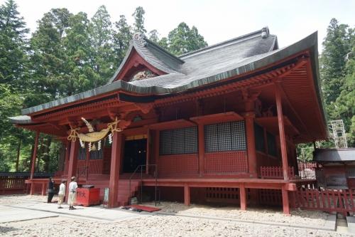 9拝殿 (1200x800)