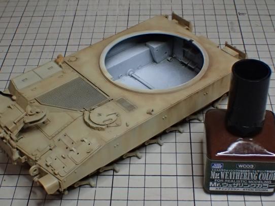 M109パラディン自走砲 車体ウェザリング