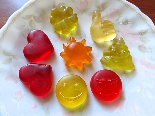 フィンランド Lidl Emoji 絵文字グミ