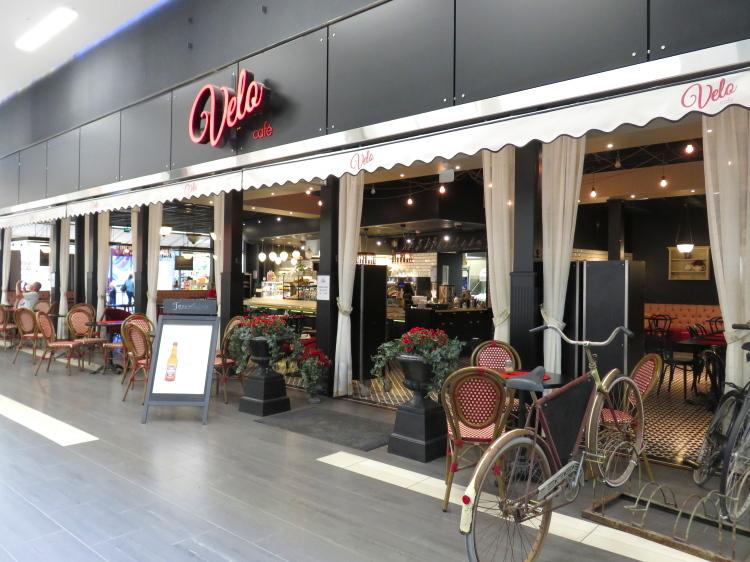 ヘルシンキ カンネルマキ ショッピングセンター KAARI カフェ