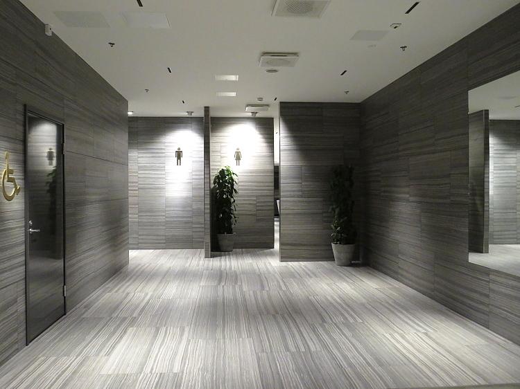 ヘルシンキ Kamppi 5階 トイレ