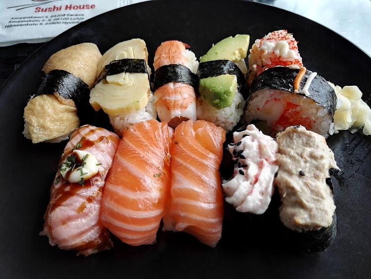 フィンランド Lohja Lohjantähti Sushi House 寿司 中華 レストラン