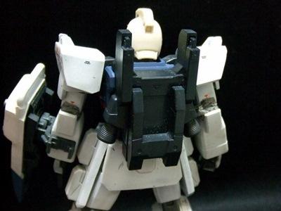 GM頭背面