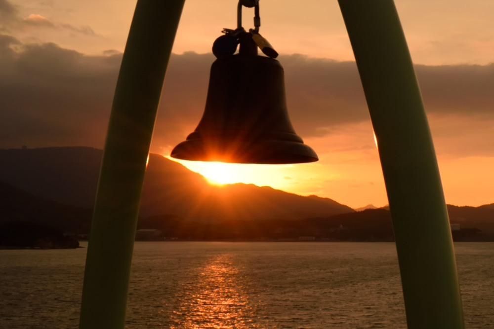 鐘と朝陽DSC_0402