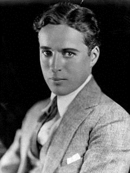 220px-Charlie_Chaplin_portrait[1]