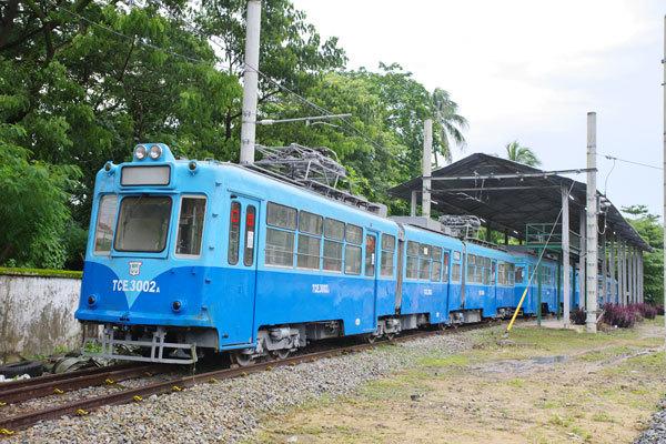 170805yangon-tram.jpg