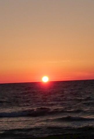 日本海の夕日20160800000003