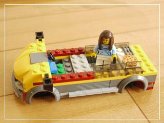 LEGOPizzaVan10.jpg