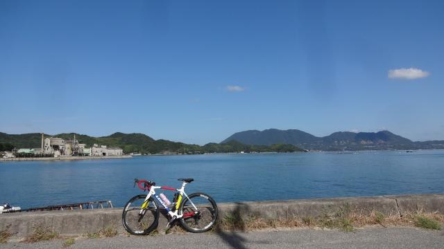 大島反対の海